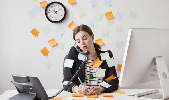 Penyebab orang suka menunda-nunda pekerjaan karena multitasker